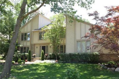 Farmington Hills Single Family Home For Sale: 38623 Deerwood