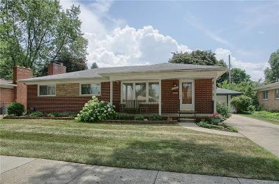 Livonia Single Family Home For Sale: 29525 Bentley St