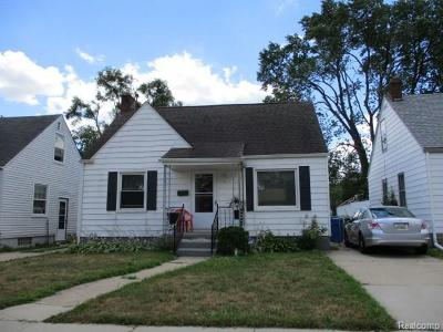 Dearborn Heights Single Family Home For Sale: 25637 Colgate St S