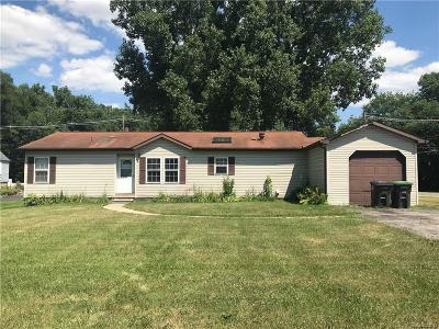 Taylor Single Family Home For Sale: 9575 Beech Daly Rd