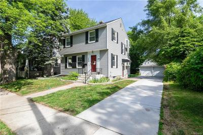 Ferndale Single Family Home For Sale: 556 Leroy St