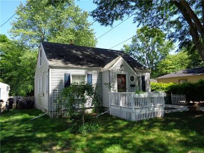 Farmington Single Family Home For Sale: 22698 Power Rd