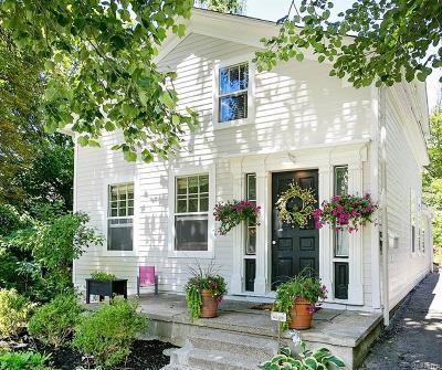 Farmington Single Family Home For Sale: 33436 Shiawassee St