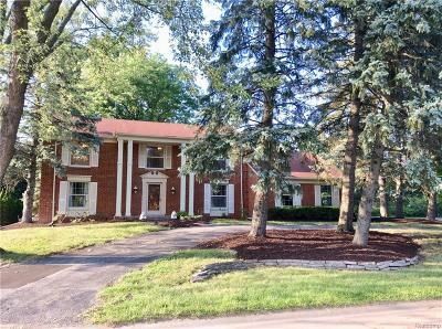 West Bloomfield Single Family Home For Sale: 4216 Saddle Ln