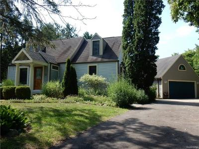 Livonia Single Family Home For Sale: 30115 Munger Dr