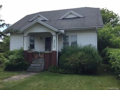 Fraser Single Family Home For Sale: 32127 Utica Rd