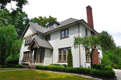 Detroit Single Family Home For Sale: 19450 Lucerne Dr