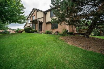 Rochester Hills Condo/Townhouse For Sale: 409 Meadow Bridge Dr