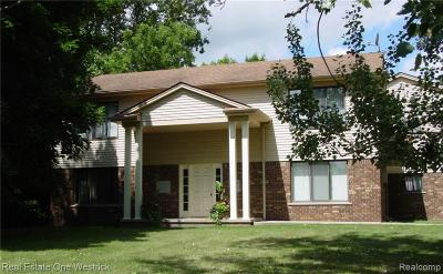 St. Clair Multi Family Home For Sale: 5238 Pointe Dr
