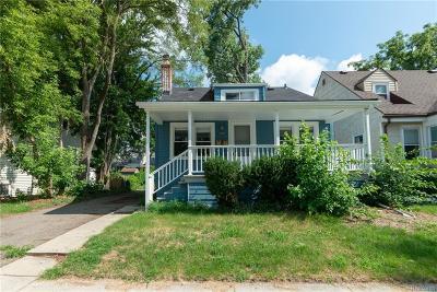 Oakland Multi Family Home For Sale: 359 E Saratoga St