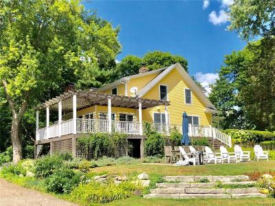Lapeer Single Family Home For Sale: 4930 Baldwin Rd