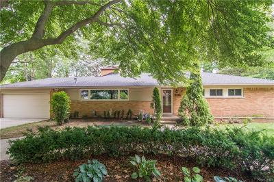 Bloomfield Hills Single Family Home For Sale: 409 Wadsworth Ln