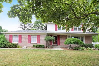 Bloomfield Hills Single Family Home For Sale: 2673 Plum Brook Dr