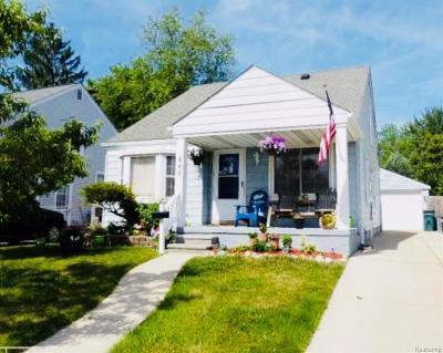 Royal Oak Single Family Home For Sale: 500 S Stephenson Hiwy