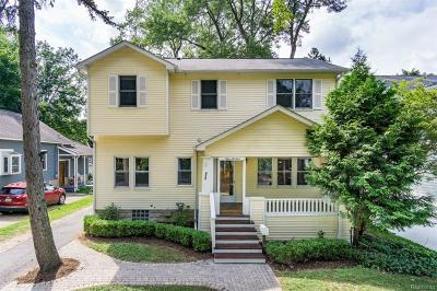 Royal Oak Single Family Home For Sale: 913 Hilldale Dr
