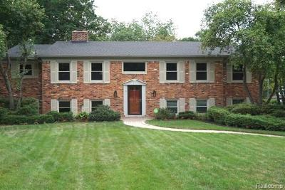 Bloomfield Hills Single Family Home For Sale: 5631 Raven Crt