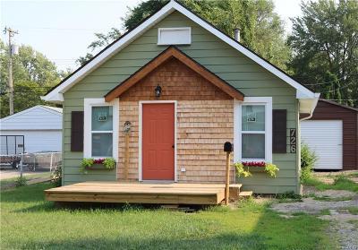 Pontiac Single Family Home For Sale: 726 E Beverly Ave
