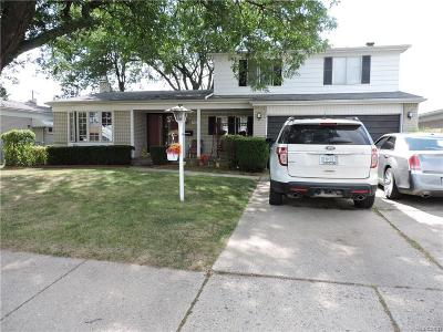 Warren Single Family Home For Sale: 30057 Smith Dr