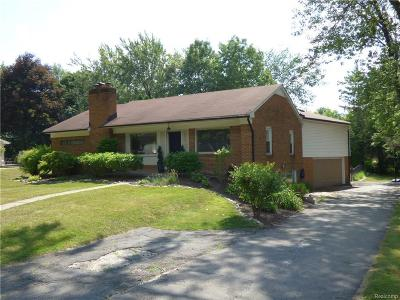 Bloomfield Hills Single Family Home For Sale: 2370 Bratton Ave