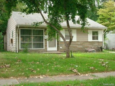 Oak Park Single Family Home For Sale: 10431 Saratoga St
