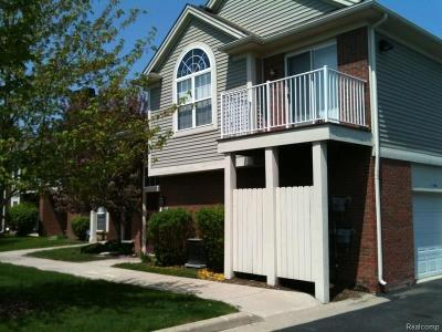 Clinton Township Condo/Townhouse For Sale: 15304 Yale Dr