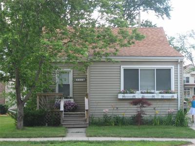 Birmingham Single Family Home For Sale: 807 E Fourteen Mile Rd