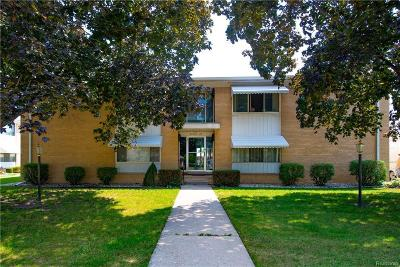Saint Clair Shores Condo/Townhouse For Sale: 21344 Beaconsfield St