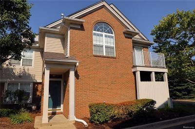 Sterling Heights Condo/Townhouse For Sale: 42951 Richmond Dr