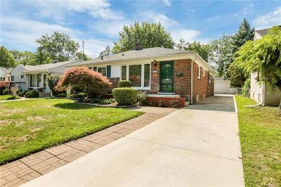 Royal Oak Single Family Home For Sale: 1017 Hickory Ave