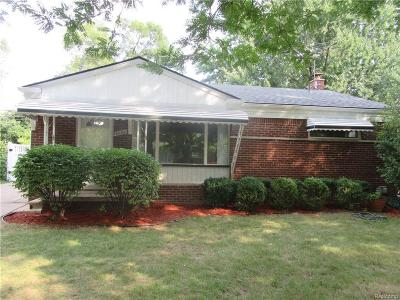 Westland Single Family Home For Sale: 8600 Alper St