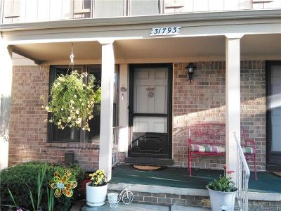 Warren Condo/Townhouse For Sale: 31793 Ivy Ln