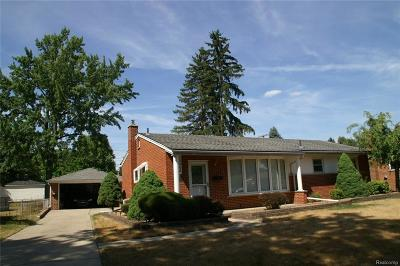Livonia Single Family Home For Sale: 35844 W Chicago St