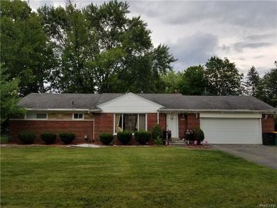 Farmington Hills Single Family Home For Sale: 29600 Eastfield St