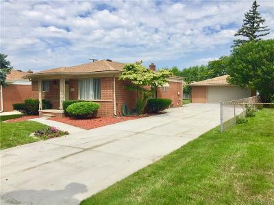 Dearborn Heights Single Family Home For Sale: 25628 Hass St