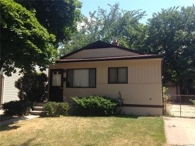 Livonia Single Family Home For Sale: 9018 Beatrice St