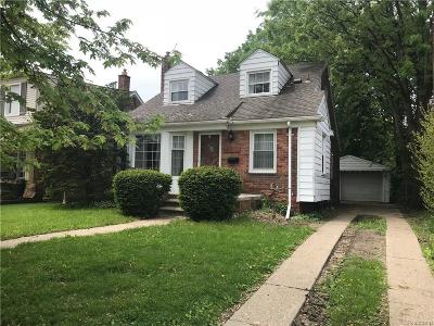Dearborn Heights Single Family Home For Sale: 8615 Hazelton St