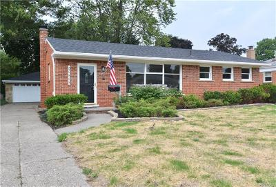 Livonia Single Family Home For Sale: 35888 Orangelawn St