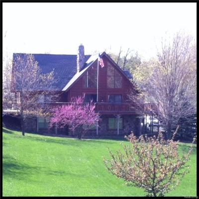 Lapeer Single Family Home For Sale: 4412 Brown Rd