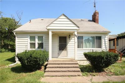 Livonia Single Family Home For Sale: 28220 7 Mile Rd
