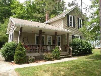 Lapeer Single Family Home For Sale: N Saginaw St