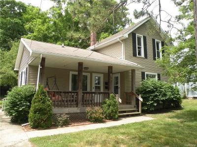 Lapeer Multi Family Home For Sale: N Saginaw St