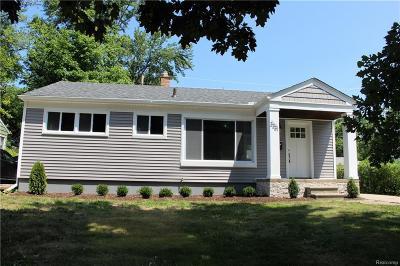 Royal Oak Single Family Home For Sale: 2221 Dallas Ave