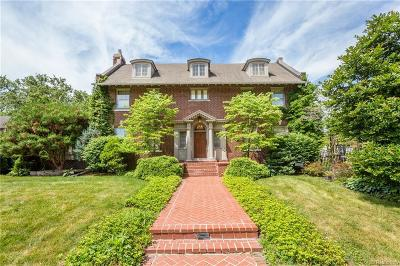 Grosse Pointe Park Single Family Home For Sale: 1023 Bedford Rd