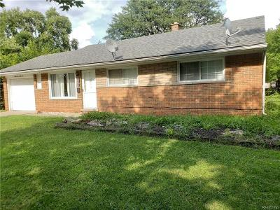 Dearborn Heights Single Family Home For Sale: 6966 N Beech Daly Rd