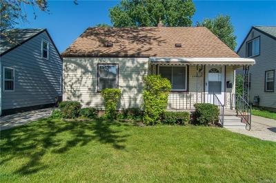 Madison Heights Single Family Home For Sale: 26408 Wolverine St