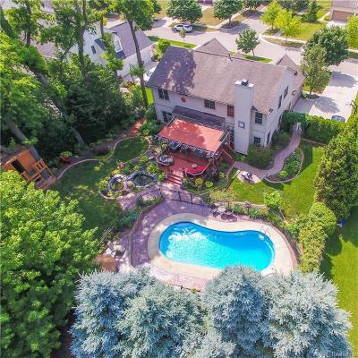 Oakland Single Family Home For Sale: 2048 Applebrook Dr