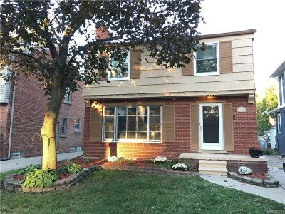 Grosse Pointe Farms Single Family Home For Sale: 438 Fisher Rd