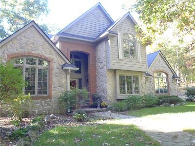 Clarkston Single Family Home For Sale: 9742 Naiad Rd