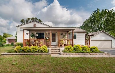 Oakland Single Family Home For Sale: 1558 Muer Dr