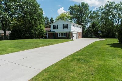 Oakland Single Family Home For Sale: 4739 Quarton Rd